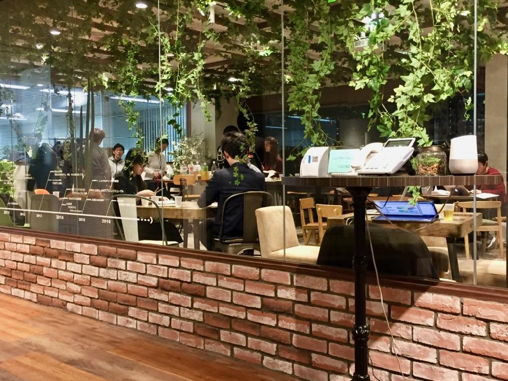 UGのカフェエリア
